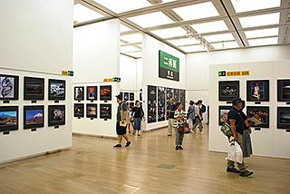 第66回二科会写真部展(第103回二科展)会場風景